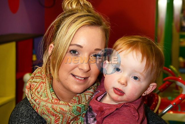 Melissa Butterly with daughter Sophie (2)  at the Mumstown parent and toddlers coffee morning in the Laurence Town Centre. www.newsfile.ie