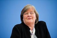 Berlin,: die Bundesbeauftragte fuer Datenschutz und Informationsfreiheit, Andrea Vosshoff, spricht am Dienstag (06.05.2014) in der Bundespressekonferenz bei der Vorstellung des  4. Tätigkeitsberichts zur Informationsfreiheit. Foto: Steffi Loos/CommonLens