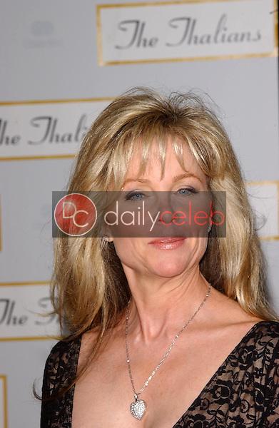 Lisa Hartman<br />at the Thalians 50th Anniversary Gala. Hyatt Regency Century Plaza Hotel, Century City, CA. 10-08-05<br />Dave Edwards/DailyCeleb.com 818-249-4998