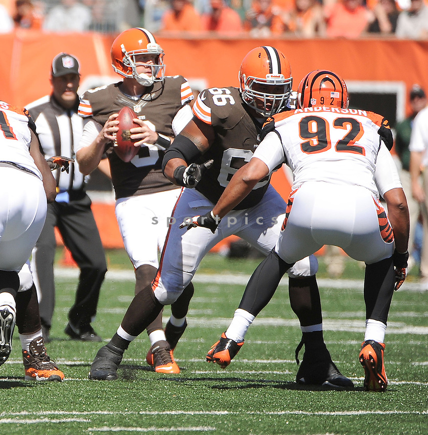 Cleveland Browns Shawn Lauvao (66) in action during a game against the Cincinnati Bengals on September 16, 2012 at Paul Brown Stadium in Cincinnati, OH. The Bengals beat the Browns 34-27.