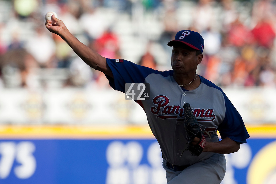 8 March 2009: #55 Ramiro Mendoza of Panama pitches against Dominican Republic during the 2009 World Baseball Classic Pool D match at Hiram Bithorn Stadium in San Juan, Puerto Rico. Dominican Republic wins 9-0 over Panama.
