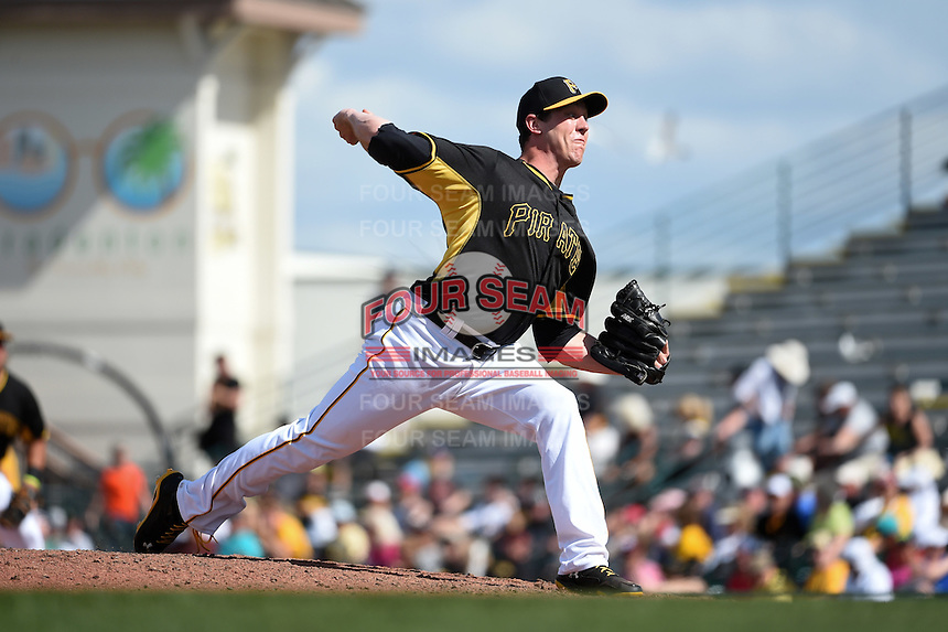 Pittsburgh Pirates pitcher Rob Scahill (52) during a Spring Training game against the Minnesota Twins on March 13, 2015 at McKechnie Field in Bradenton, Florida.  Minnesota defeated Pittsburgh 8-3.  (Mike Janes/Four Seam Images)