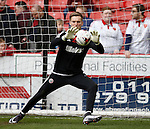 George Long of Sheffield Utd warm up during the Sky Bet League One match at The Bramall Lane Stadium.  Photo credit should read: Simon Bellis/Sportimage