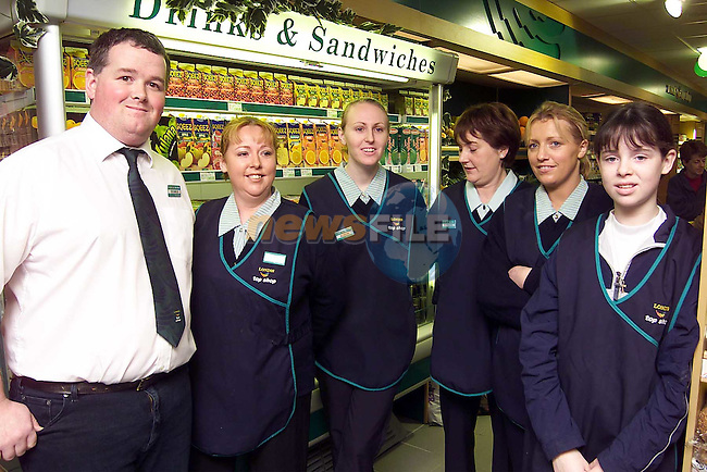 Seamus Lowth with staff Suzanne Rickard, Alison Owens, Barbara Flaherty, Sharon O'Brien and Natalie Duff at the official opening of Londis, Duleek..Picture: Paul Mohan/Newsfile