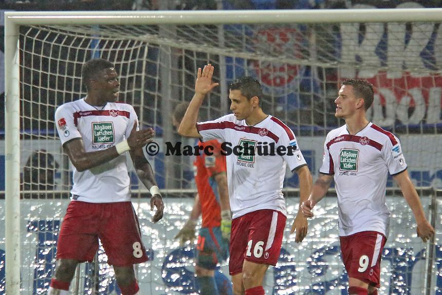 Torjubel um Karim Matmour (FCK) beim 0:3 mit Mo Idrissou und Simon Zoller - FSV Frankfurt vs. 1. FC Kaiserslautern, Frankfurter Volksbank Stadion