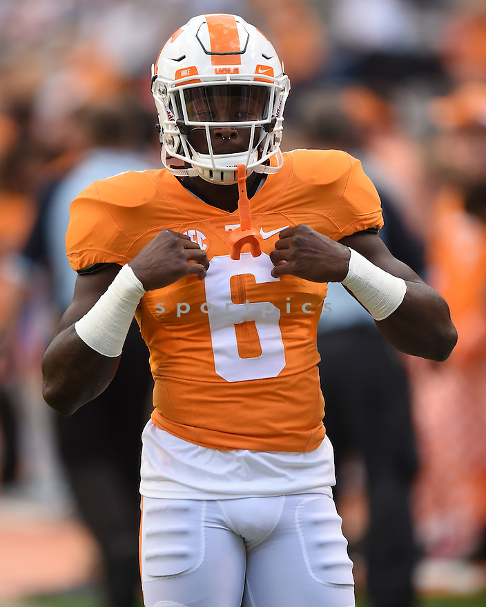 Tennessee Volunteers Alvin Kamara (6) during a game against the Oklahoma Sooners on  September 12, 2015 at Neyland Stadium in Knoxville, TN. Oklahoma beat Tennessee 31-24.