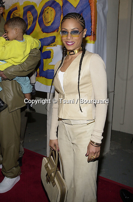 "Jada Pinkett arriving at the premiere of "" Kingdom Come""  at the Writer Guild Awards in Los Angeles  4/4/2001   © Tsuni          -            PinkettJada02.jpg"