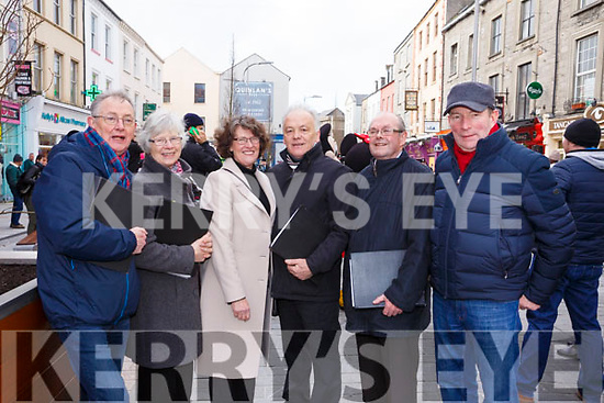 Attending the Kerry County Council and Tralee Chamber Alliance will Street Party and Family Fun Day in The Mall on Saturday last are the members of the Kerry Choral Union who sang at the event, l-r, Vincent McMahon, Maggie Donald, Sharon Reidy, Billy Roche, Donnacha Casey and Pat Sheehy.