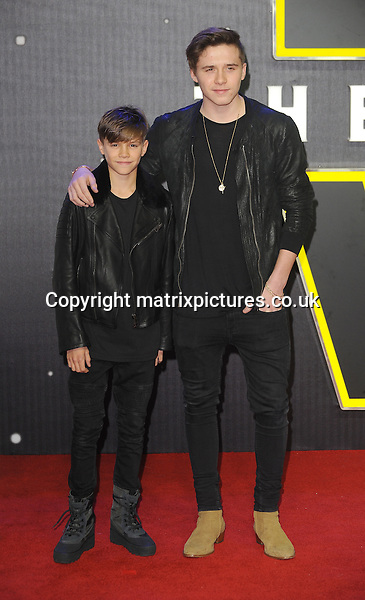NON EXCLUSIVE PICTURE: PAUL TREADWAY / MATRIXPICTURES.CO.UK<br /> PLEASE CREDIT ALL USES<br /> <br /> WORLD RIGHTS<br /> <br /> Romeo and Brooklyn Beckham, sons of English footballer David Beckham attending the European Premiere of Star Wars: The Force Awakens in Leicester Square, in London.<br /> <br /> DECEMBER 16th 2015<br /> <br /> REF: PTY 153700