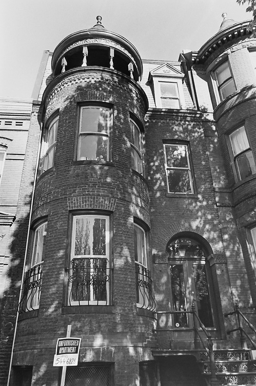Property for rent at 1106, E. Capitol NE, Washington D.C., on Nov. 18, 1996. (Photo by Maureen Keating/CQ Roll Call via Getty Images)