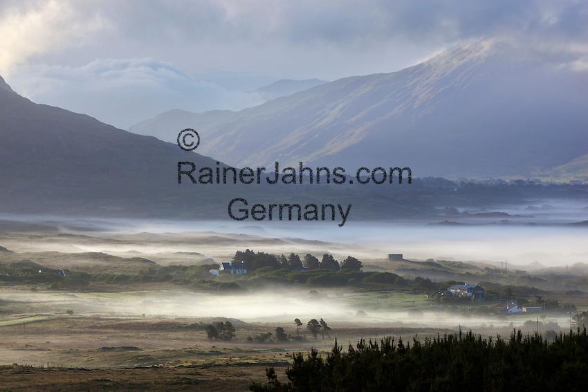 Ireland, County Galway, Connemara, Renvyle Peninsula, near Cleggan: Morning mist | Irland, County Galway, Connemara, Renvyle Halbinsel, bei Cleggan: Morgennebel