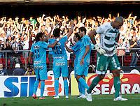 SÃO PAULO, SP,06 MAIO 2012 - CAMPEONATO PAULISTA - GUARANI x SANTOS FINAL -PH Ganso (10)  jogador do Santos comemora gol  durante partida Guarani X Santos válido pelo primeiro jogo da final doCampeonato Paulista no Estádio Cicero Pompeu de Toledo  (Morumbi), na região sul da capital paulista na tarde deste domingo  (06). (FOTO: ALE VIANNA -BRAZIL PHOTO PRESS).
