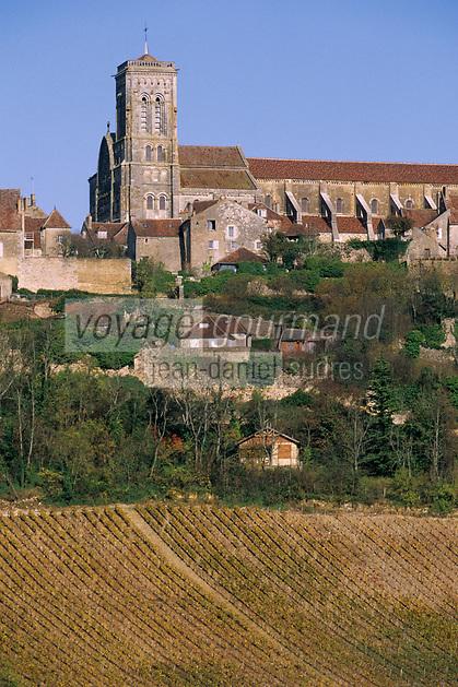 Europe/France/89/Yonne/Vézelay: Le village et le vignoble