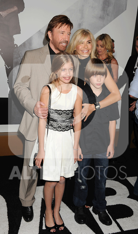 HOLLYWOOD, CA - AUGUST 15: Chuck Norris and family arrive at the 'The Expendables 2' - Los Angeles Premiere at Grauman's Chinese Theatre on August 15, 2012 in Hollywood, California. /NortePhoto.com....**CREDITO*OBLIGATORIO** ..*No*Venta*A*Terceros*..*No*Sale*So*third*..*** No Se Permite Hacer Archivo**..*No*Sale*So*third*