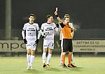 2018-02-17 / voetbal / seizoen 2017-2018 / Oosterzonen - Berchem / Scheidsrechter Maarten Toeback geeft Redouan Benhamou (l) (Oosterzonen) de rode kaart