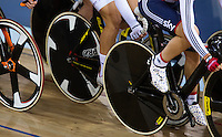 06 DEC 2014 - STRATFORD, LONDON, GBR - Laura Trott (GBR) (right) from Great Britain rides in the pack during the women's Omnium Elimination Race at the 2014 UCI Track Cycling World Cup round in the Lee Valley Velo Park in Stratford, London, Great Britain (PHOTO COPYRIGHT © 2014 NIGEL FARROW, ALL RIGHTS RESERVED)