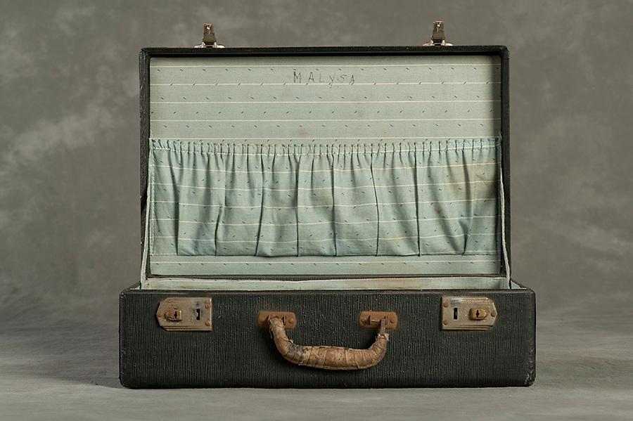 Willard Suitcases / Benji M / ©2014 Jon Crispin