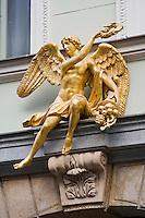 Europe/République Tchèque/Prague: Détail décoration art nouveau de la porte d'une  maison  Rue Celetna
