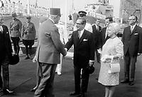 Daniel Johnson (M) lors de la Visite du general Charles  DeGaulle,<br /> le 23 juillet 1967, a Quebec<br /> <br /> Photographe : Photo Moderne<br /> - Agence Quebec Presse
