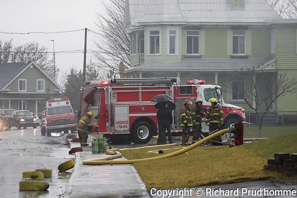 Incendie a la boulangerie Gadoua  de Saint-Thomas-de-Joliette. Mercredi le 1er decembre 2010, l'incendie c'est declarer vers 7h10 am.