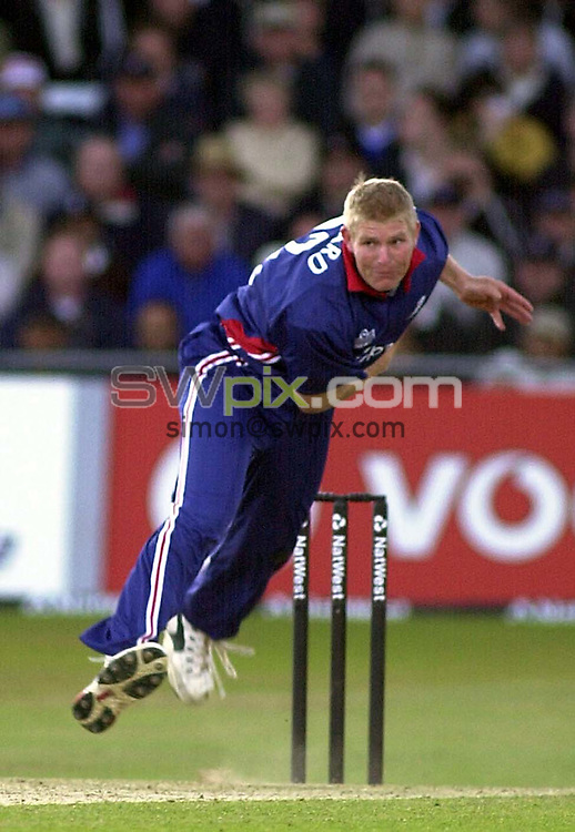 Pix: Matthew Lewis/SWpix.com. International Cricket. One Day Series. England v Sri Lanka, Trent Bridge. 27/06/2002...COPYWRIGHT PICTURE>>SIMON WILKINSON>>01943 436649>>..England's Matthew Hoggard in action against Sri Lanka.