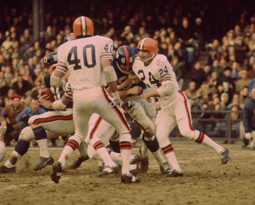 Cleveland Browns Ernie Kellerman (24) during a game against the New York Giants on Decemeber 21,1969 at Yankee Stadium in the Bronx, . The New York Giants beat the Cleveland Browns 127-14. Ernie Kellerman played for 8 seasons with 3 different teams and was a 1-time Pro Bowler. (SportPics)