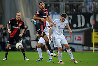 FUSSBALL   1. BUNDESLIGA   SAISON 2011/2012    10. SPIELTAG Bayer 04 Leverkusen - FC Schalke 04                        23.10.2011 Oemer TOPRAK (li, Leverkusen) gegen Klaas-Jan HUNTELAAR (re, Schalke)