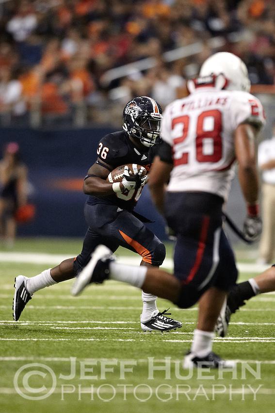 SAN ANTONIO, TX - OCTOBER 8, 2011: The University of South Alabama Jaguars vs. The University of Texas at San Antonio Roadrunners Football at the Alamodome. (Photo by Jeff Huehn)