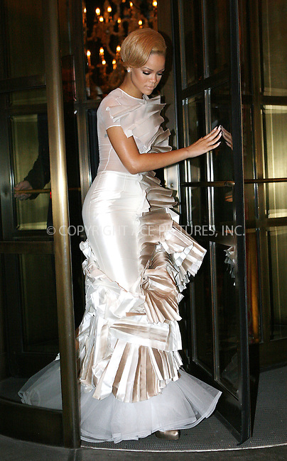 WWW.ACEPIXS.COM . . . . .  ....November 9 2009, New York City....Singer Rihanna seen in midtown Manhattan on November 9 2009 in New York City....Please byline: NANCY RIVERA- ACE PICTURES.... *** ***..Ace Pictures, Inc:  ..tel: (212) 243 8787 or (646) 769 0430..e-mail: info@acepixs.com..web: http://www.acepixs.com