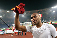 Calcio, Serie A: Roma vs Lazio. Roma, stadio Olimpico, 16 novembre 2008. .Football, Italian serie A: Roma vs Lazio. Rome, Olympic stadium, 16 november 2008..AS Roma forward Julio Baptista, of Brazil, cheers fans at the end of the match. AS Roma won 1-0..UPDATE IMAGES PRESS/Riccardo De Luca