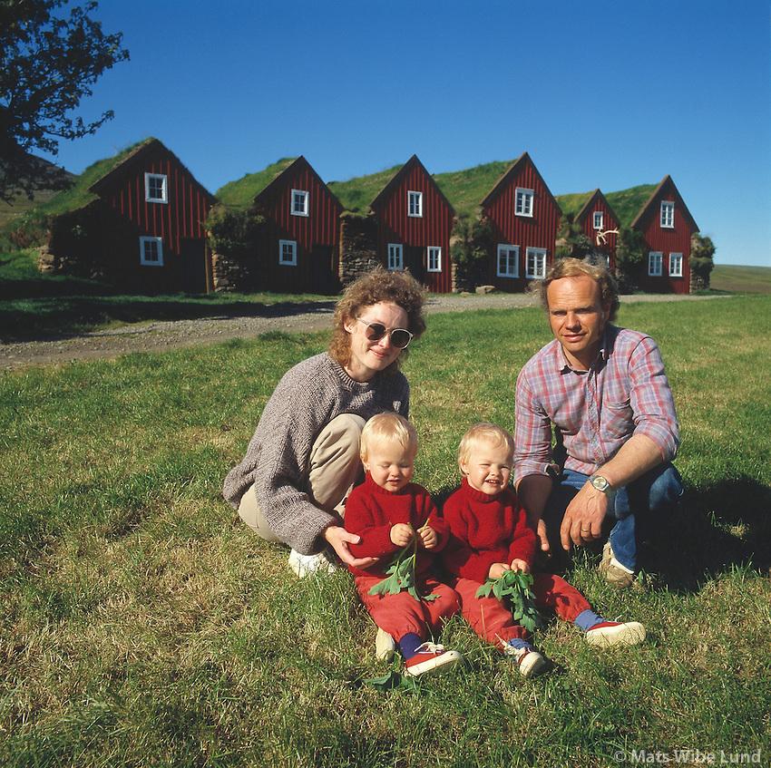 Fjölskyldan, Bustarfell - Burstarfell (Burstafell) , Vopnafjörður Vopnafjarðarhreppur,.The farmers family at the old Bustarfell farm, Vopnafjordur
