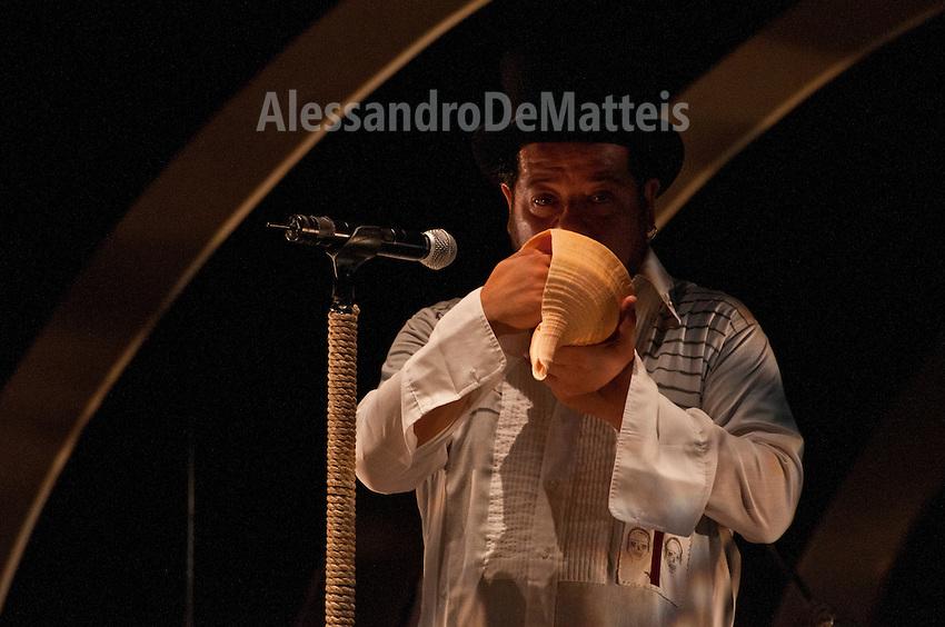 Vinicio Capossela Live in Cannole