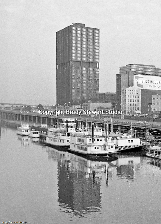 Pittsburgh PA:  View of the new Westinghouse Tower at 11 Stanwix Street in Pittsburgh from the Smithfield Street bridge.<br /> In the foreground, the expanded Gateway Clipper fleet is docked at the Monongahela Wharf.<br /> Westinghouse moved from the building in 1999 and consolidated operations at it's Research Park in Churchill PA.