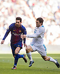 Lionel Andres Messi (L) of FC Barcelona fights for the ball with Mateo Kovacic of Real Madrid during the La Liga 2017-18 match between Real Madrid and FC Barcelona at Santiago Bernabeu Stadium on December 23 2017 in Madrid, Spain. Photo by Diego Gonzalez / Power Sport Images