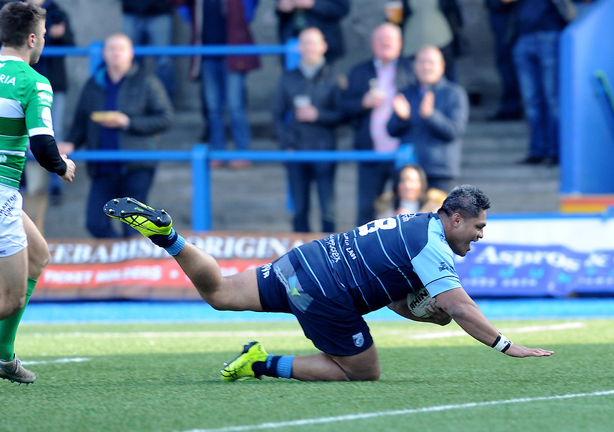 Cardiff Blues' Nick Williams scores his sides first try<br /> <br /> Photographer Ian Cook/CameraSport<br /> <br /> Guinness PRO12 Round 15 - Cardiff Blues v Benetton Treviso - Saturday 18th February 2017 - BT Sport Cardiff Arms Park<br /> <br /> World Copyright &copy; 2017 CameraSport. All rights reserved. 43 Linden Ave. Countesthorpe. Leicester. England. LE8 5PG - Tel: +44 (0) 116 277 4147 - admin@camerasport.com - www.camerasport.com