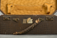 &copy;2012 Jon Crispin<br /> ALL RIGHTS RESERVED<br /> <br /> Willard Suitcases  /  Agnes J
