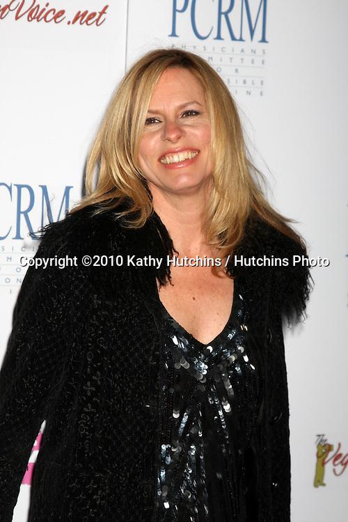 "Vonda Shepherd.arrives at ""The Art of Compasion PCRM 25th Anniversary Gala"".The Lot.Los Angeles, CA.April 10, 2010.©2010 Kathy Hutchins / Hutchins Photo..."