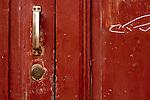 vicolo san leonardo porte, portoni, maniglie e serrature di sassari, Italia<br /> doors, handles and locks in Sassari, Italy