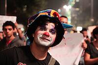SÃO PAULO, SP - 19.06.2013: COMEMORAÇÃO REDUÇÃO DA TARIFA  - Manifestantes paralizam a Av Paulista em São Paulo nessa noite de 4 feira (19) em comemoração ao anuncio de revogação do aumento da tarifa comunicado pelo Prefeito Fernando Haddad. (Foto: Marcelo Brammer/Brazil Photo Press)