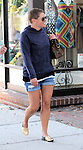 5-24-09.Natalie Maines bald shopping in Los Angeles ca ..AbilityFilms@yahoo.com.805-427-3519.www.AbilityFilms.com