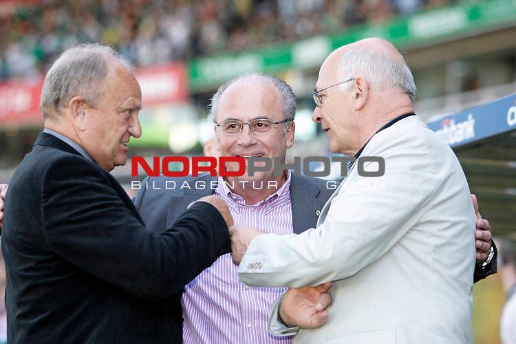 FBL 2007/2008 33. Spieltag - R&uuml;ckrunde<br /> Werder Bremen - Hannover 96 6;1 ( 2:0 )<br /> <br /> J&uuml;rgen L. Born (Vorsitzender der Gesch&auml;ftsf&uuml;hrung und Gesch&auml;ftsf&uuml;hrer Finanzen und &Ouml;ffentlichkeitsarbeit) - Manfred M&uuml;ller ( Mueller )  (Gesch&auml;ftsf&uuml;hrer Marketing und Management) und Klaus-Dieter Fischer  (Gesch&auml;ftsf&uuml;hrer Leistungszentrum Fu&szlig;ball und andere Sportarten)<br /> <br /> Foto &copy; nph (nordphoto )<br /> <br /> <br /> <br />  *** Local Caption ***