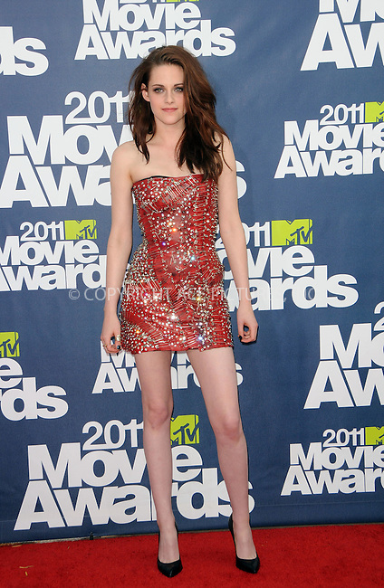 WWW.ACEPIXS.COM . . . . .  ....June 5 2011, Los Angeles....Actress Kristen Stewart arriving at at the 2011 MTV Movie Awards at Universal Studios' Gibson Amphitheatre on June 5, 2011 in Universal City, California.....Please byline: PETER WEST - ACE PICTURES.... *** ***..Ace Pictures, Inc:  ..Philip Vaughan (212) 243-8787 or (646) 679 0430..e-mail: info@acepixs.com..web: http://www.acepixs.com