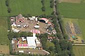 Oerolterrein Westerkeyn vanuit de lucht gezien. Tijdens de 32e editie van Oerol kunnen bezoekers 10 dagen lang genieten van theater, dans, beeldende kunst en muziek. <br /> Luchtfoto van Terschelling tijdens Oerol (maandag 17-6-2013)