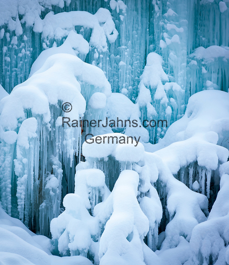zugefrorener Bergbach, Eiszapfen | frozen up mountain stream, icicles