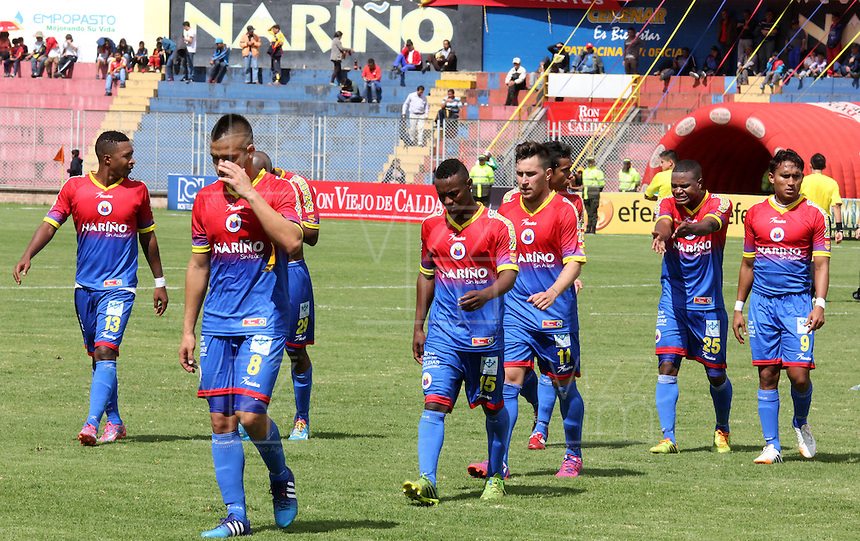 PASTO- COLOMBIA -28 -02-2015: Los jugadores de Deportivo Pasto se retiran del campo durante partido entre Deportivo Pasto y Deportivo Independiente Medellin por la fecha 7 de la Liga Aguila I 2015, jugado en el estadio Departamental Libertad de la ciudad de Pasto. / The players of Deportivo Independiente Medellin leave the field during the match between Deportivo Pasto and Deportivo Independiente Medellin for the date 7th of the Liga Aguila I 2015 at the Departamental Libertad Stadium in Pasto city. Photo: VizzorImage. / Leonardo Castro / Str.