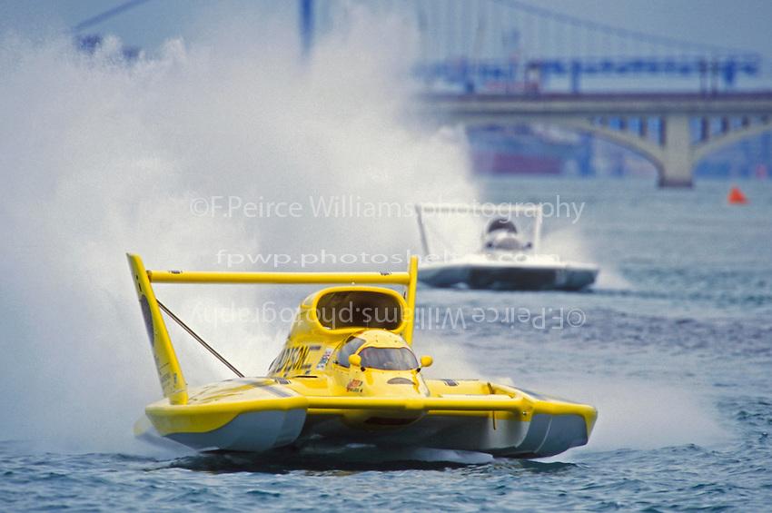 """Charley Wiggins, U-6 """"Miss Madison"""" (Unlimited Hydroplanes)"""