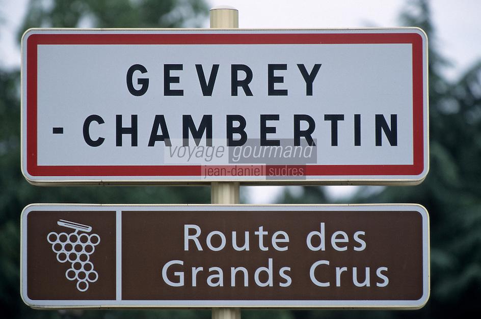 Europe/France/Bourgogne/21/Côte d'Or/Gevrey Chambertin: Panneau d'entrée du village - Route des Grands Crus