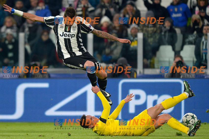Mario Mandzukic Juventus, Josip Pivaric Dinamo  <br /> Torino 07-12-2016 Juventus Stadium Football Calcio Champions League 2016/2017 Juventus - Dinamo Zagreb . Foto Filippo Alfero Insidefoto
