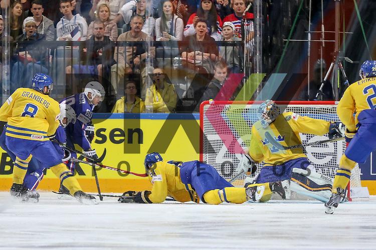 Tor Frankreich im Spiel IIHF WC15 Frankreich vs. Schweden.<br /> <br /> Foto &copy; P-I-X.org *** Foto ist honorarpflichtig! *** Auf Anfrage in hoeherer Qualitaet/Aufloesung. Belegexemplar erbeten. Veroeffentlichung ausschliesslich fuer journalistisch-publizistische Zwecke. For editorial use only.