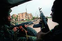 Grozny / Cecenia 2004.<br /> Forze di sicurezza filo-russe pattugliano le strade della capitale cecena. Pro-Russian security forces patrol the streets of the Chechen capital.<br /> Photo Livio Senigalliesi